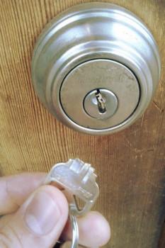 Locksmith Vaughan Retrieves Broken Keys